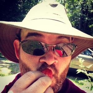 ben-capozzi-eating-a-strawberry