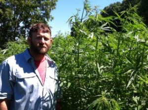 Mike_Lewis_and_the_Growing_Warriors_Hemp_Field-320x238